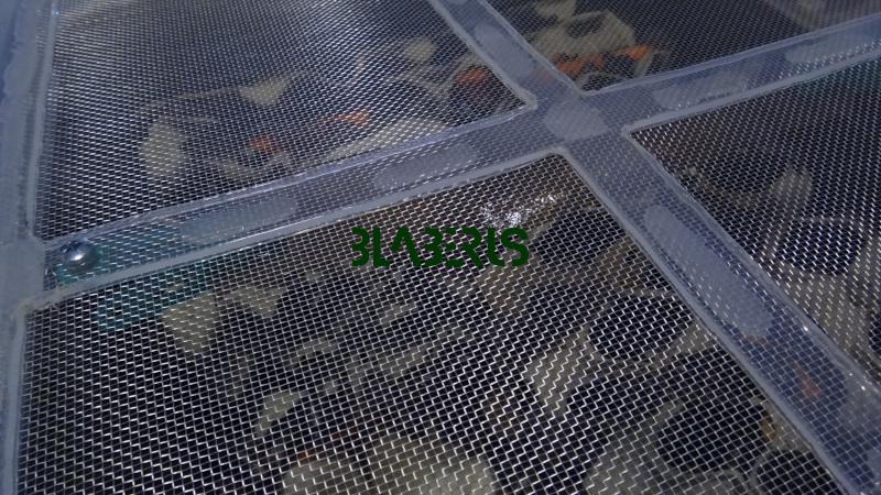 Kovové pletivo víka bedny pro šváby